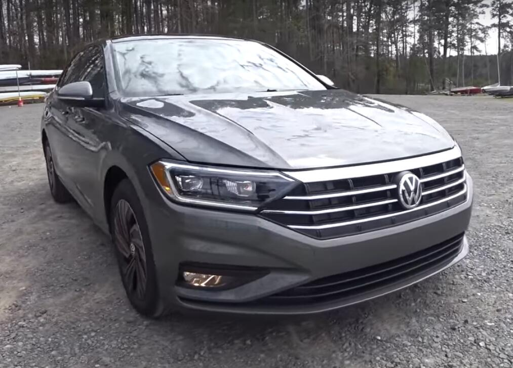 Volkswagen Jetta R-Line